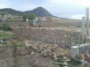 Harrizko harresia | Muro de piedra